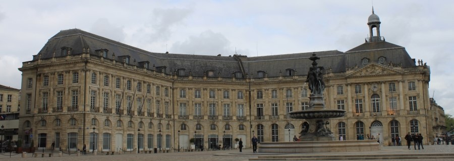 Place de La Bourse de Bordeaux.