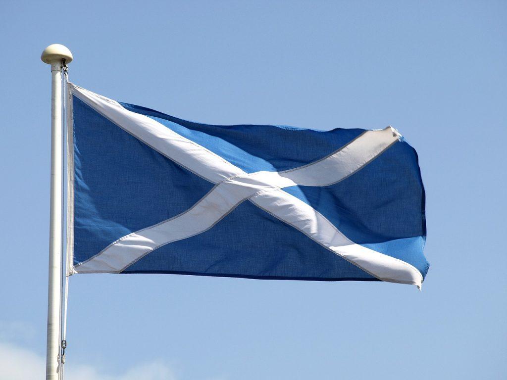 Roteiro de 3 dias em Edimburgo e a Bandeira da Escócia.