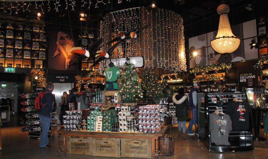 Loja de suvenires da Cervejaria Guinness em Dublin.
