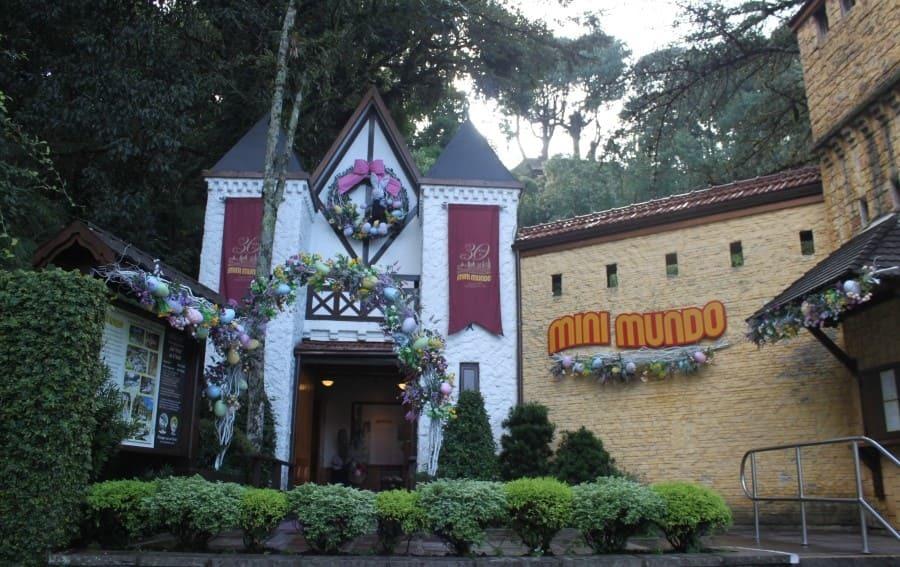 Entrada do parque temático Mini Mundo em Gramado.