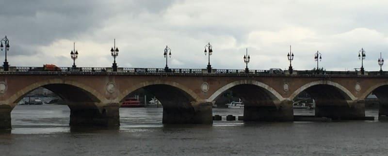 Ponte Pierre em Bordeaux.