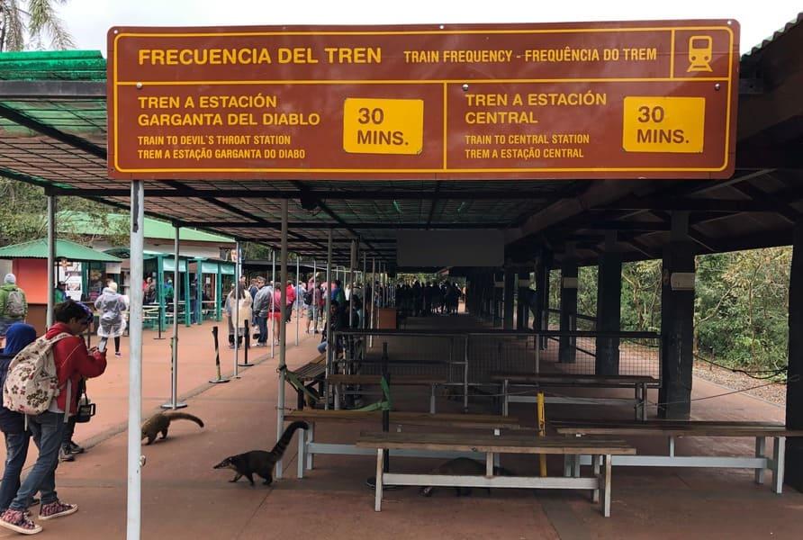 Estação de trem no lado argentino das cataratas do Iguaçu