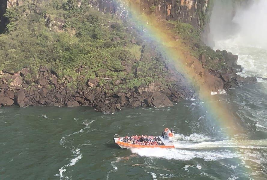 Passeio Náutico no lado argentino das cataratas do Iguaçu.
