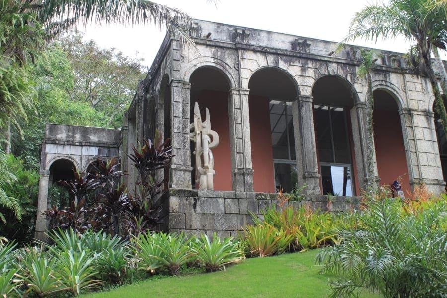 Casa moderna do Sítio Burle Marx.