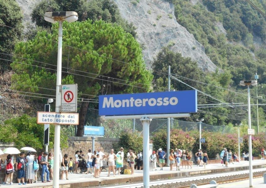 Cinque Terre a partir de La Spezia: esta;áo de Monterosso.