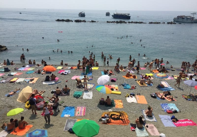 Cinque Terre a partir de La Spezia: praia de Monterosso al Mare.