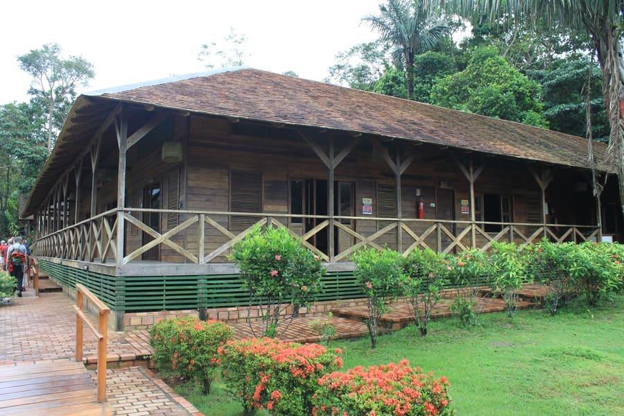 Cruzeiro na Amazônia: visita à tribo Kambeba.