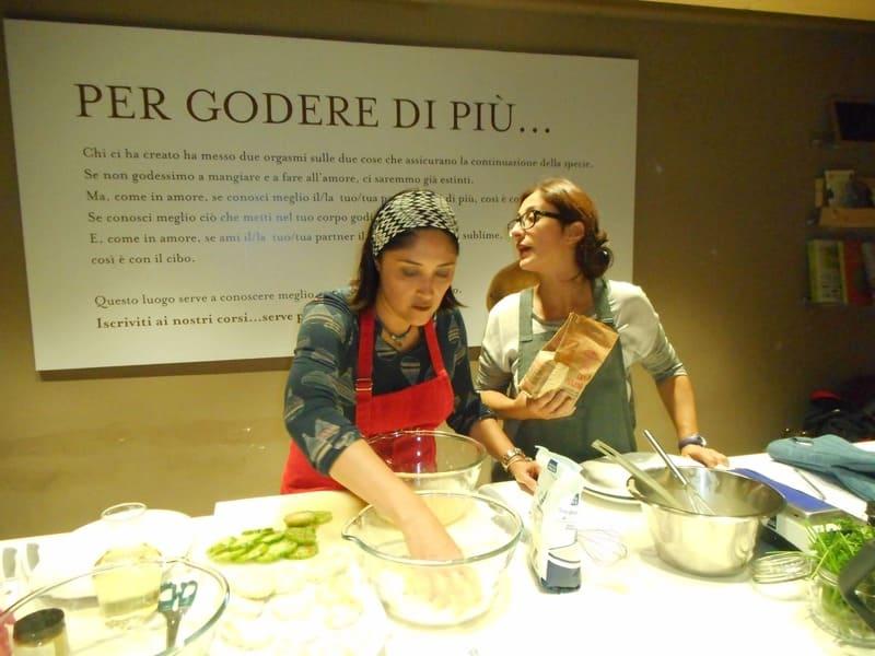 Eataly de Florença: aula de culinária temática.