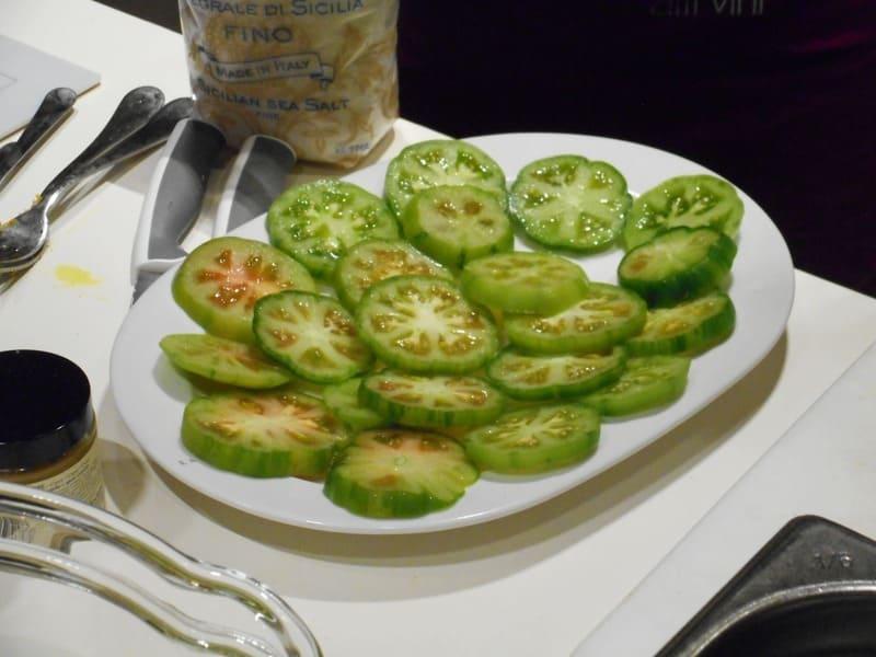 Aula de culinária no Eataly de Florença: tomates verdes fritos.