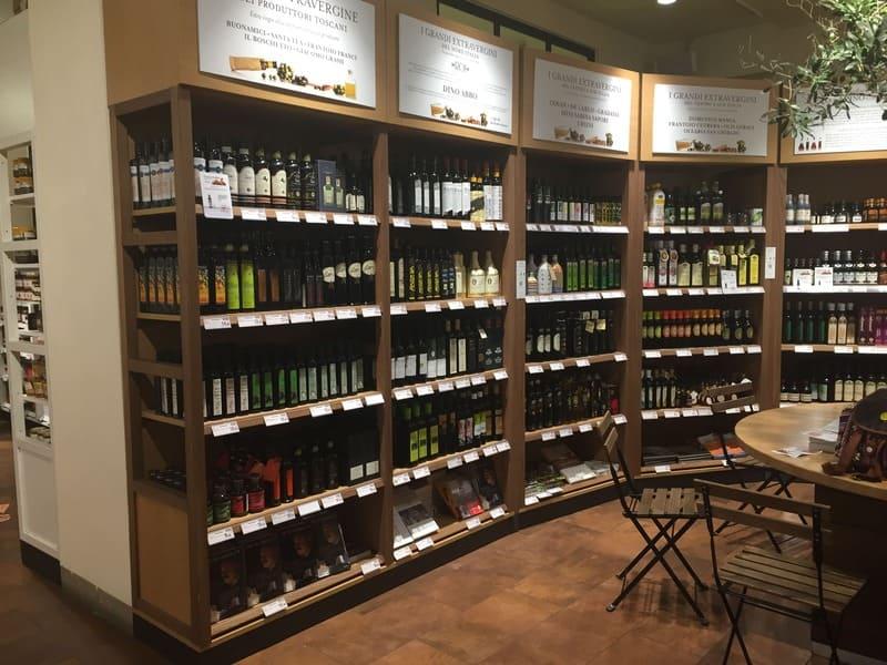 Eataly de Florença: vinhos e azeites.