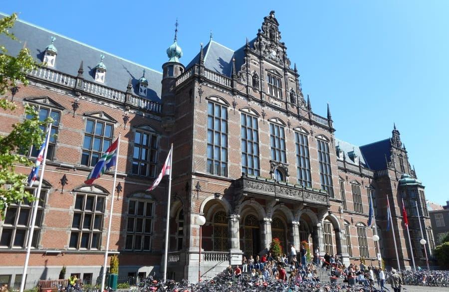 Universidade de Groningen (RUG)