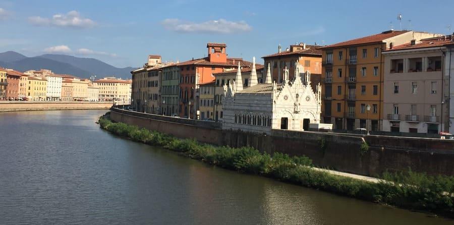 Pisa em bate e volta de Florença: Rio Arno.