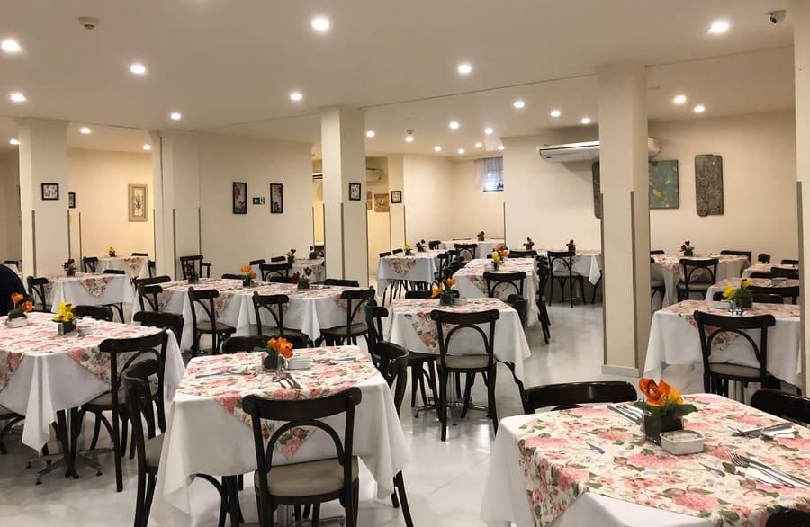 Restaurante do Hotel Bogari em Foz do Iguaçu.