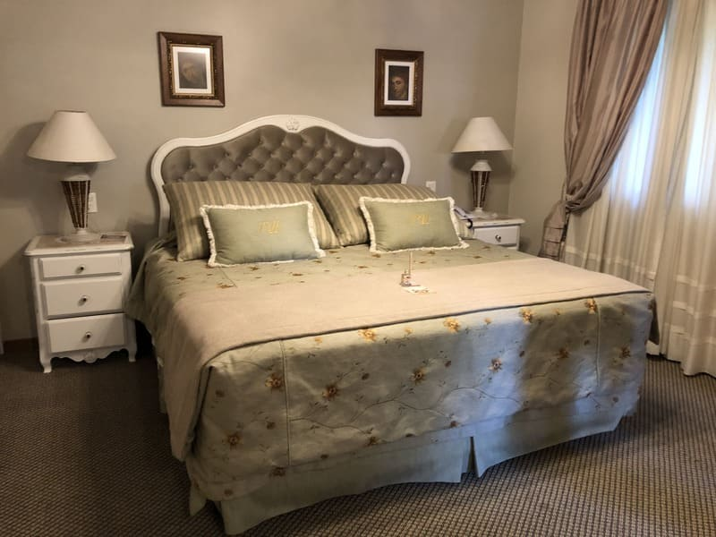 Suíte de luxo no Hotel Ritta Höppner em Gramado.