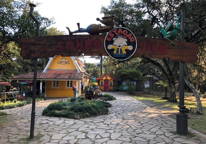 Estação de trem do Parque do Caracol.