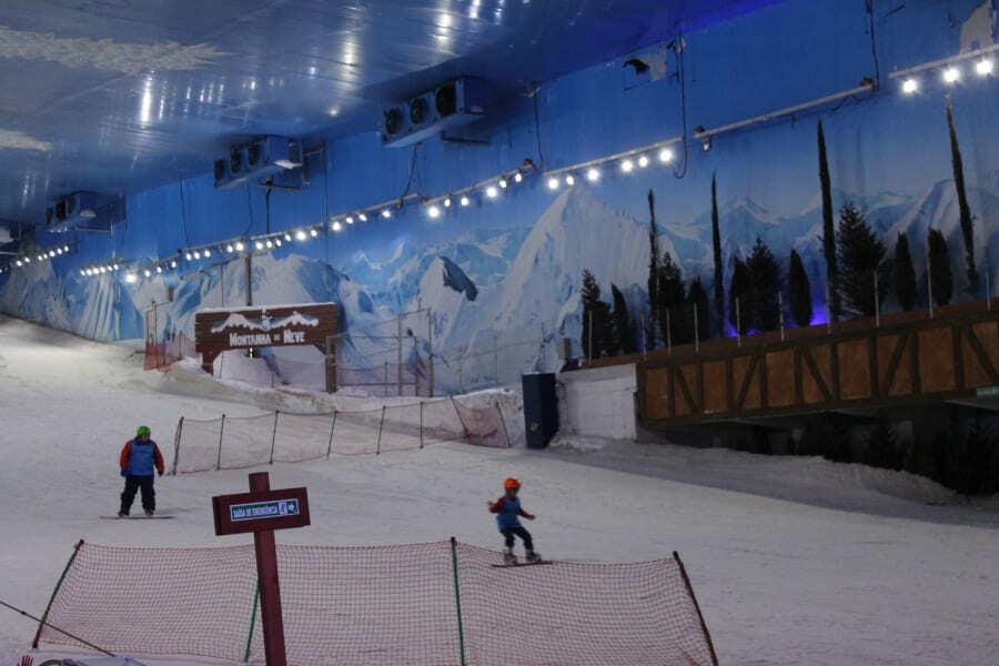 Pista de esqui do Snowland em Gramado.