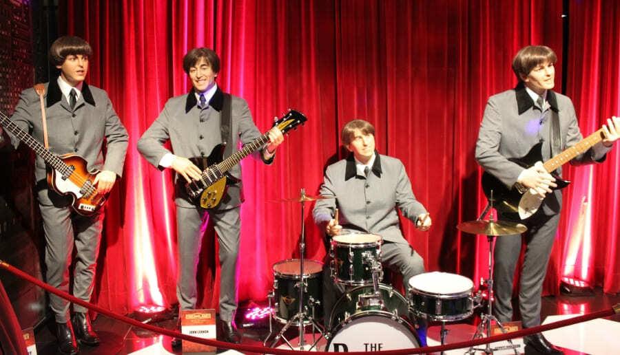 """Boneco de cera do grupo """"The Beatles"""" no Dreamland Museu de Cera em Gramado."""