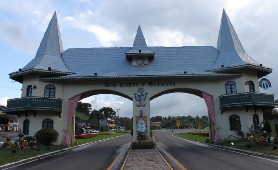 Portal de entrada de Gramado via Taquara