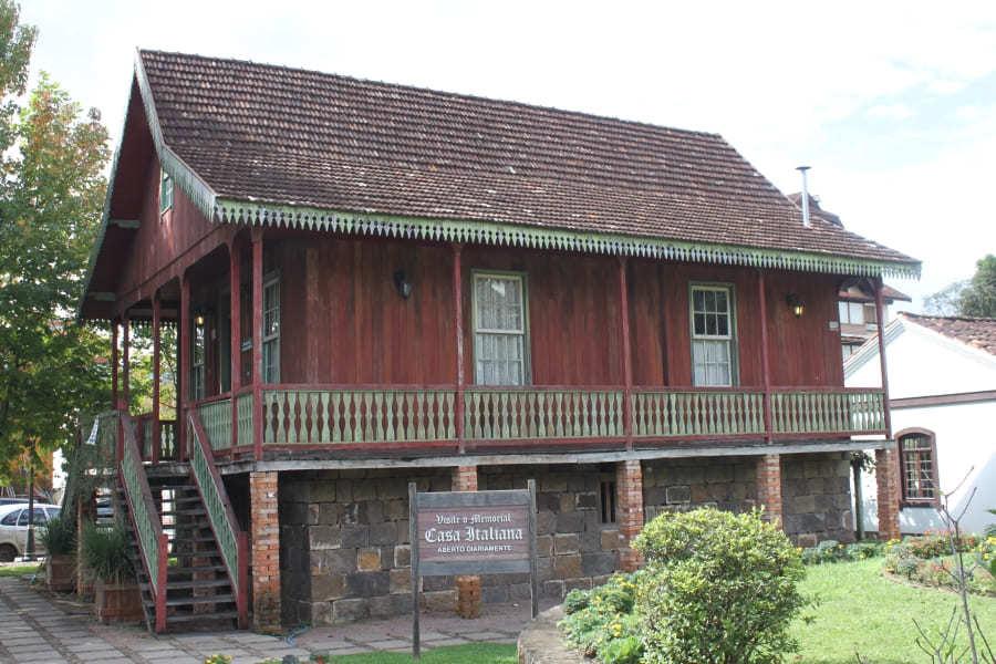 Casa Italiana na Praça das Etnias em Gramado