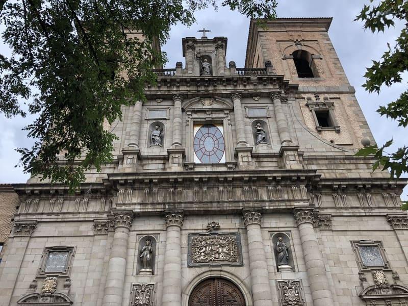 Visita à Igreja de San Ildefonso durante o Roteiro de 1 dia em Toledo na Espanha.