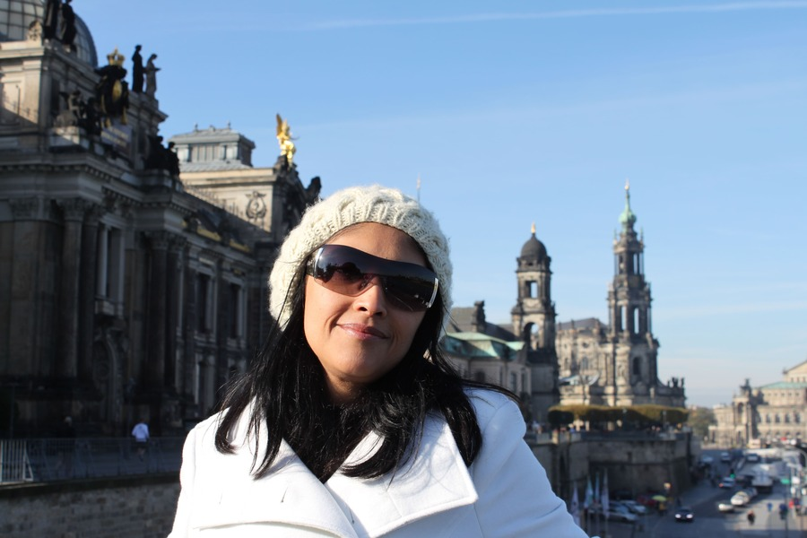 Outono na Europa com um dia de sol em Dresden