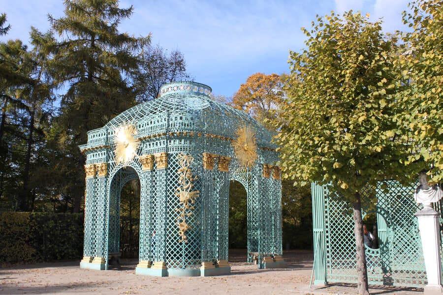 Outono no parque Sanssouci em Postdam na Alemanha